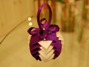 Christmas satin ribbon bauble idea