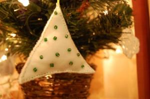 Plush Christmas tree decoration green beads