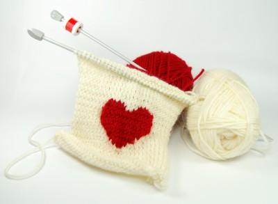 Knitting with heart intarsia